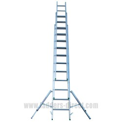 Clow EN131 Professional Aluminium Triple Extension Ladder with stabiliser open