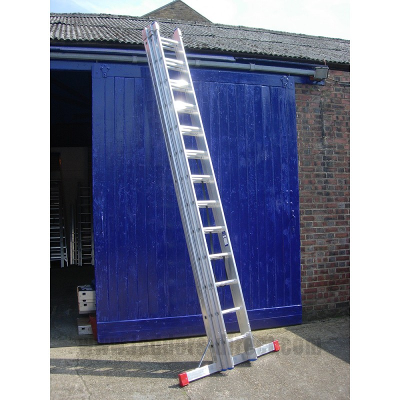 Clow Reach A Light Combination Ladder To En131 Direct From